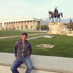 Tiranë: Skanderberg Platz