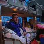 Unterwegs im Nachtbus von Khorgos nach Ürümqi - bequem, diese Schlafkojen!