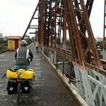 Fahrt nach Hanoi über die Paul Doumer Brücke