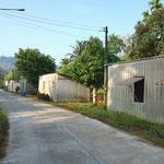 Ehemaliges Dorf für Zinnschürfer, heute ist der Abbau eingestellt und die Wellblechhütten werden günstig vermietet