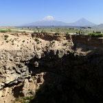 Meteor Krater kurz vor der iranischen Grenze - 2. grösster der Welt!