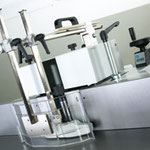 Fräsanschlag 216: Gesamtverstellung über Handrad und LED-Anzeige, incl. Gussanschlagplatten