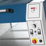 Positioniersteuerung easy drive: Einfaches und präzises Einstellen der Hobelhöhe von 3 - 300 mm. 2 Vorschubgeschwindigkeiten zuschaltbar (7 + 14 m/min).