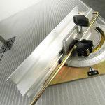 Gehrungsanschlag zur schnellen und einfachen  Montage am Maschinentisch