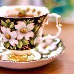 ロイヤルアルバートのハナミズキのカップ