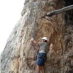 Le scalette lungo la Torre Toblin nelle Dolomiti di Sesto