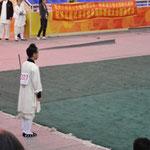Jin Hua waiting to perform Xuan Men Jian