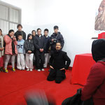 Master Yuan teaches students ceremony etiquette
