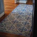suelo de madera pintado y barnizado, perfectamente transitable y resistente al desgaste