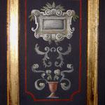detalle de la puerta del armario policromado y pan de oro