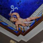 Querubín pintado en techo. Pintura acrílica