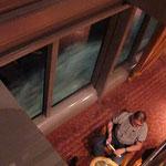 Bild 17-331- Draussen Bugwellen, drinnen fast beängstigende Ruhe