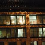 Bild 1-12 - Vorbei an verlassenen Arbeitsplätzen