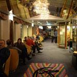 Bild 16-305 - Licht und Spiegel - auf dem ganze Schiff verteilt