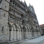 Bild 6-108 -  Nach Zerstörungen im 19. Jahrhundert waren von den ehemals etwa 40  Statuen nur noch fünf erhalten