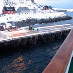 Bild 15-285 - Die Ortschaft auf der Insel Havøya (Meeresinsel) hat 1'200 Einwohner