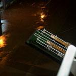 Bild 2-32 - Irgendwo im Regen warten die Passagiere