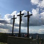 Die drei Kreuze der 12. Kreuzwegstation.