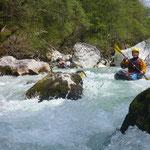Einer der beliebtesten Wildwasserflüsse in den Alpen – Soca, Slowenien