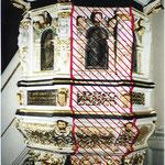 Restauratorische Dokumentation. Kennzeichnung eines Detailbereichs für restauratorische Voruntersuchung, an der Kanzel der Sinstorfer KIrche, bei Hamburg