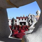 Moines - élèves du monastère de Sershul
