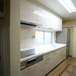 北側キッチンも天板で明るく変身