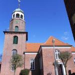 Foto: Holger Lauf  /  Ein Blick von der Langenstrasse auf die Kirche