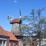 Foto: Holger Lauf  /  Ein Blick von der Langen Strasse auf die Mühle