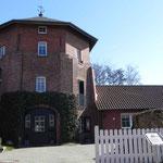 Foto: Holger Lauf   /  Alte Roggenmühle ausgebaut von Cassen Cornelius