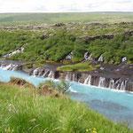 Hraunfossar - tausend Mini-Wasserfälle!