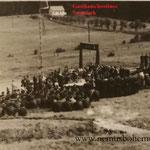 """Veranstaltung der """"Pionýrská organizace Černá Řeka"""", der kommunistischen Jugend-Pioniere, im Jahre 1958 in Sofienhütte (Černořecká Huť ) (SOkA Domažlice)."""