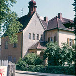 Das Spital in der Bahnhofstraße. Die Linde links steht auch heute noch.