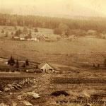 Die Kreuzhütte um 1890, schon außer Betrieb. Ganz rechts das mächtige Fabrikgebäude.