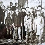 Arbeitslose aus der Gemeinde Mauthaus (Mýtnice). Soziale Spannungen entluden sich.