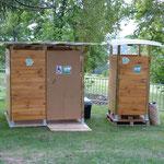 Toilettes sèches lors de la soirée Carte Blanche 2014 au Château de Goutelas (Marcoux)