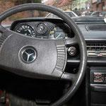 Tableau de bord de Mercedes-Benz 200 w115