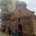 Sortie de la chapelle du château,  il faut chercher les réponses aux questions !!
