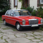 Mercedes-Benz 200 w115 4 cylindres bva carbu stromberg 175cds année 1973