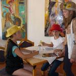 Hanni und Nanni bei den Hausaufgaben