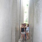 Dans le jardin de l'Exile au musée Juïf de Berlin.