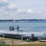 Sous-marin devant le fiord de Kiel.
