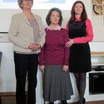 v.l.: Käthe Falk (Vorsitzende des DPFF), Dolmetscherin Eva-Maria Steiger, Aneta Zdybel (Vorsitzende des PNFK)
