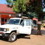 Entebbe Backpackers - unser neuer Freund wird reisefertig gepackt