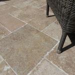Naturstein Terrassenplatten Travertin römischer Verband  Garten- und Landschaftsbau Gröne