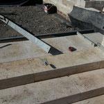 Naturstein Travertin Terrassenanlage mit Treppenstufen