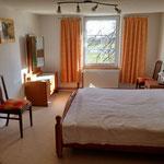 5: großes Schlafzimmer