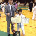 小学3年生上級の部/Categoria 8anos avançado 優勝 高田 龍聖 / Campeão Ryusei Takada