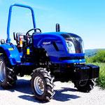 ecopard Kompakttraktor mit Allradantrieb 4x4 und Geländeuntersetzung