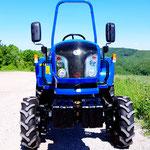 ecopard Kompakttraktor optional mit Frontkraftheber für Winterdienst