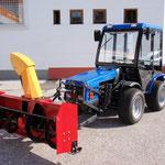 ecopard Kleintraktor mit Schneefräse für den Winterdienst